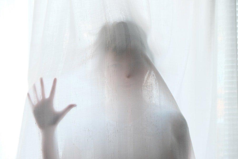 Δοκίμασε να κάνεις στον εαυτό σου τις ερωτήσεις που θα βρεις σε αυτό το άρθρο για να αποκαλύψεις πιθανές ψυχοσωματικές αιτίες που κρύβονται πίσω από το άσθμα, μέσα από την οπτική της Μεταφυσικής Ανατομίας.